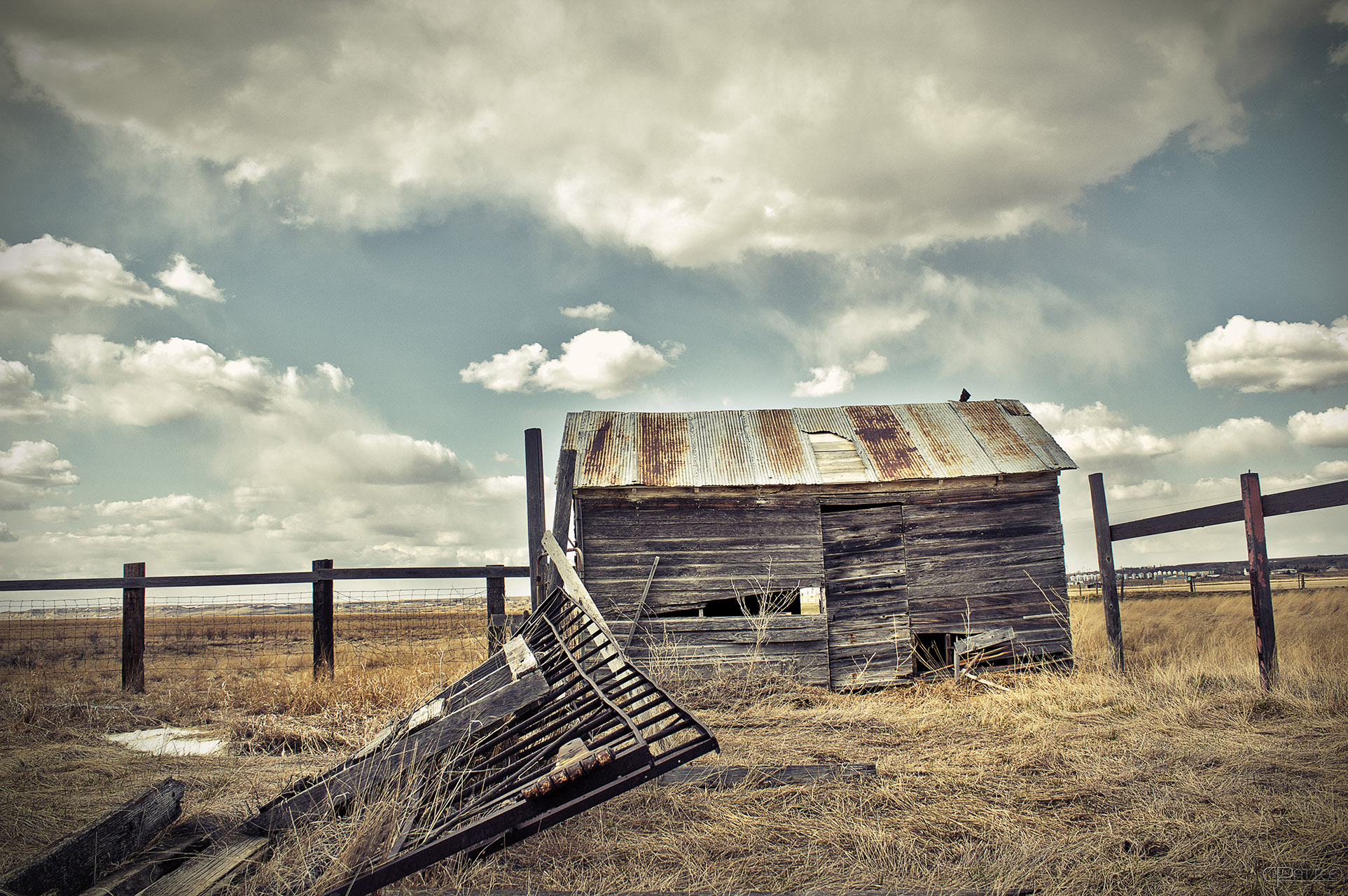 abandoned triptych 02